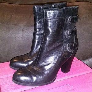 Born heeled zipper boots size 7.5